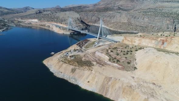 Nissibi Köprüsü Güneydoğu ekonomisine baharı getirdi
