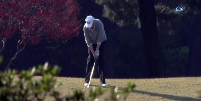 Trump ve Abe'den siyasete golf arası