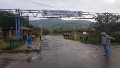 Torba yasaya tepki gösteren madenciler kendilerini ocağa kilitledi