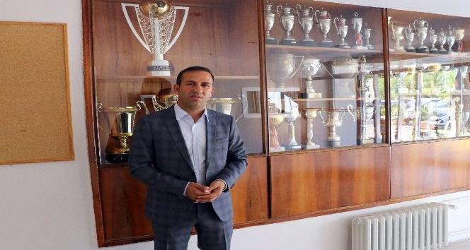 E. Yeni Malatyaspor'da yenilgiye rağmen yüzler gülüyor