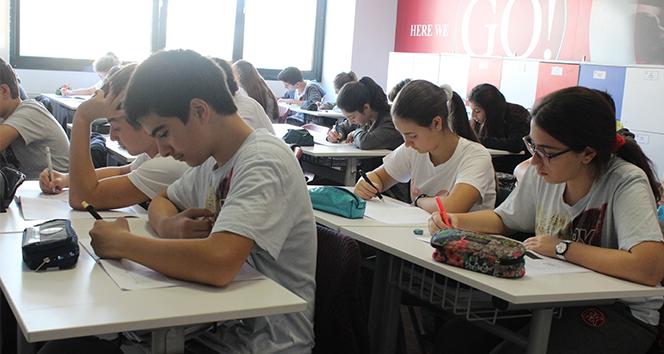 Yeni sınav sistemi için 5 bin öğrenci ilk denemesini yaptı