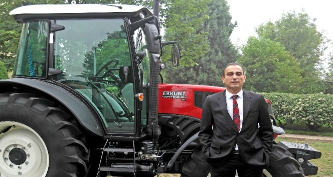 Erkunt Traktör çiftçilerle bir araya geliyor