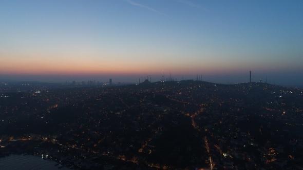 İstanbul'da gün doğumu havadan görüntülendi