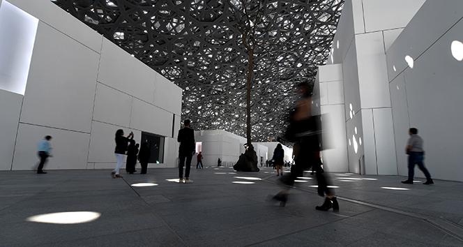 BAE, müze ismi için Fransaya 525 milyon dolar ödeyecek