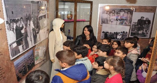 Balçovalı çocuklar tarihlerini öğreniyor