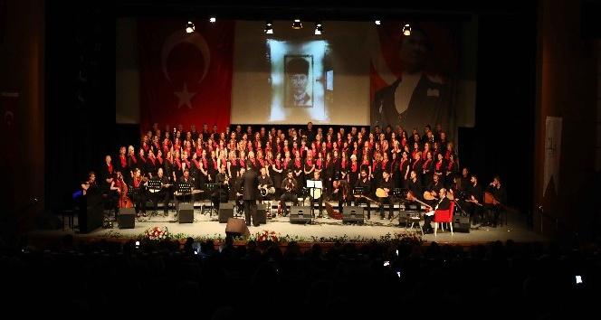 Bayraklı'da unutulmaz Atatürk gecesi