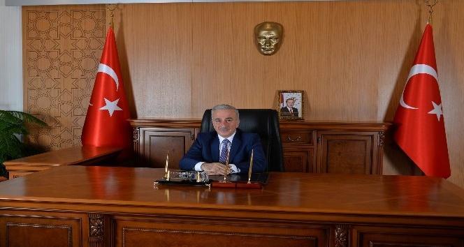 """Vali Kamçı: """"Atatürk'ün aziz hatırası için birlik olacağız"""""""