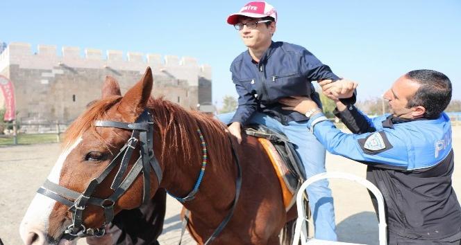 (Özel haber) Engelli ve şehit yakını çocuklar için At Şenliği düzenlendi
