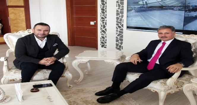 Ertem Şener'in Başkan Ahmet Çakır ile futbol sohbeti