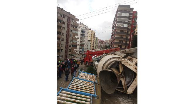 Trabzon'da 24 saat içinde aynı yerde ikinci hafriyat kamyonu kazası: 2 yaralı