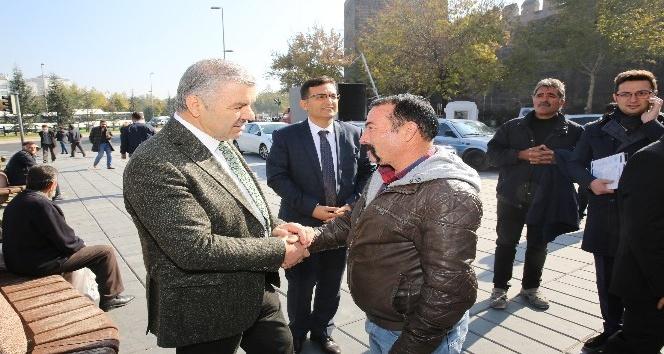 Başkan Çelik, Vali Kamçı ile birlikte KAYTUR tarafından açılan Meydan Döner'i ziyaret etti