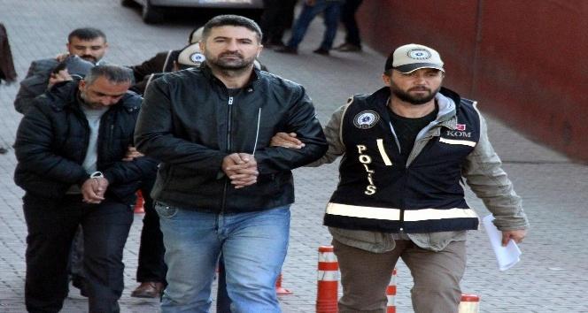 Gözaltına alınan 19 kişiden 4'ü adliyeye çıkarıldı