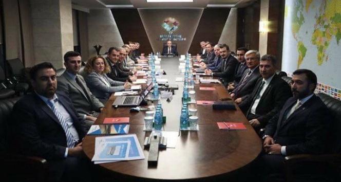 Bakan Özlü'ye projeler anlatıldı