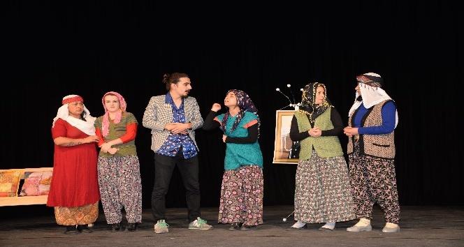 Sağlık çalışanları 'Erkekler Köyü' oyunuyla tam not aldı