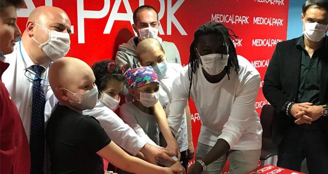 Gomisten kanser hastası çocuklara anlamlı destek