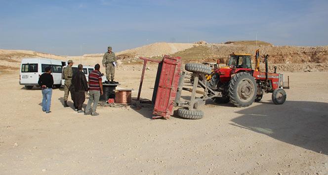 Şanlıurfa'da işçileri taşıyan traktör devrildi: 8 yaralı