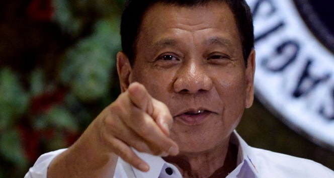 Filipinler Devlet Başkanı Rodrigo Duterte: 16 yaşında birini öldürdüm