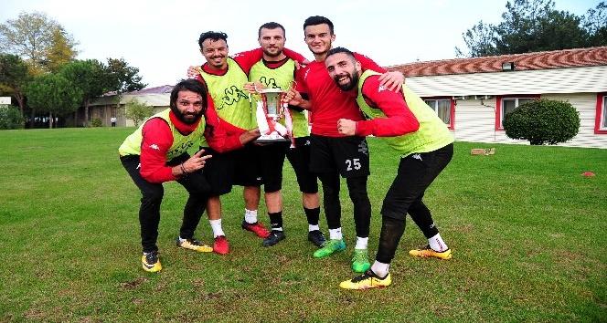 Samsunspor'da kazanan oyunculara kupa sürprizi
