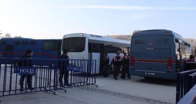 Denizli'de FETÖ'nün iş adamları davasında 4 tahliye
