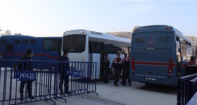 Denizlide FETÖnün iş adamları davasında 4 tahliye