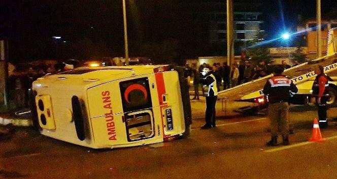 Balıkesir'de trafik kazası: 1'i ağır 6 yaralı