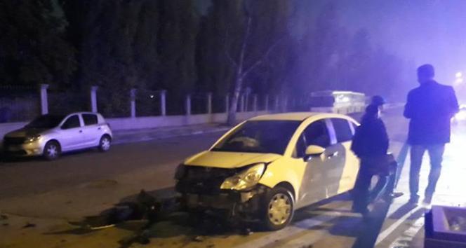 Yoldan çıkan araç, beton saksıya çarptı: 1 yaralı