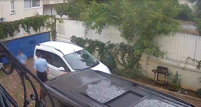 Antalyada polis kıyafetiyle yağma yapan 5 kişi yakalandı