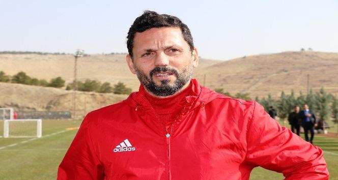 Evkur Yeni Malatyaspor'da antrenman ciddiyeti uyarısı
