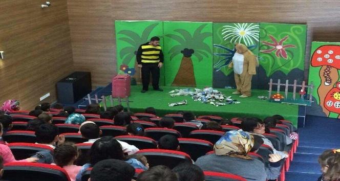 'Yaramaz Afacanlar' oyunununa Gebzeli çocuklardan büyük ilgi