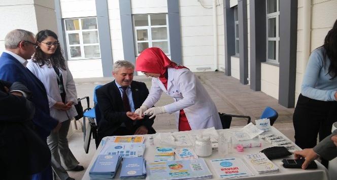 Toplumsal farkındalığı artırmak için diyabet günü etkinliği düzenlediler
