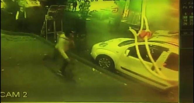 Fatih'te cadde ortasında silahlı saldırı; 2 yaralı