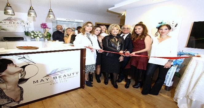 Güzellik merkezi hayaline 7 yıl sonra kavuştu
