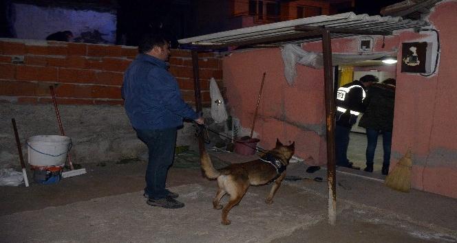 İzmir'de 300 polisle uyuşturucu operasyonu: 25 gözaltı