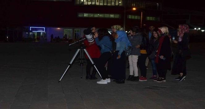 Adıyaman Üniversitesi astronomi topluluğundan gökyüzü gözlem şenliği