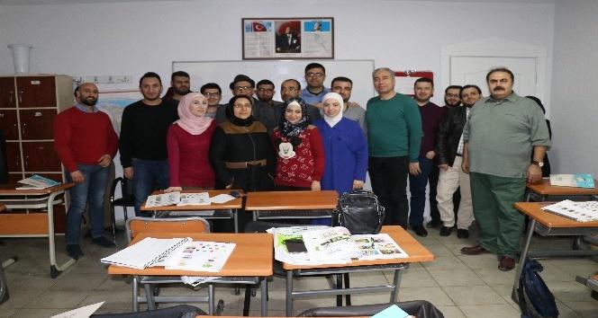 Suriyeli gazeteciler Türkçe öğreniyor