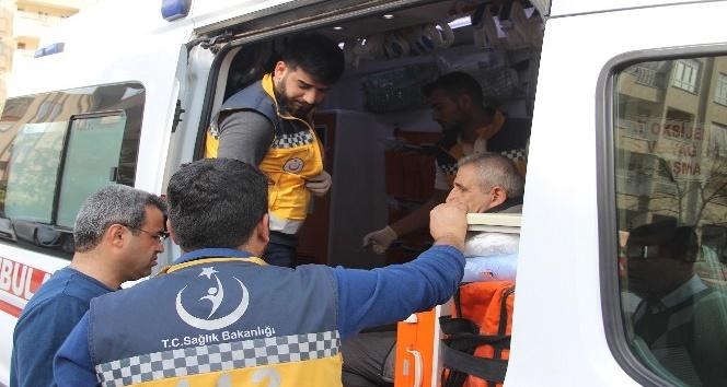 Şanlıurfa'da trafik kazası: 1'i polis 2 yaralı