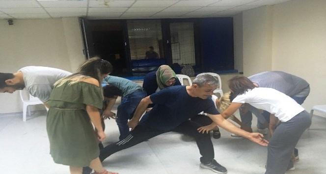 İZMEK tiyatro kurslarına büyük ilgi
