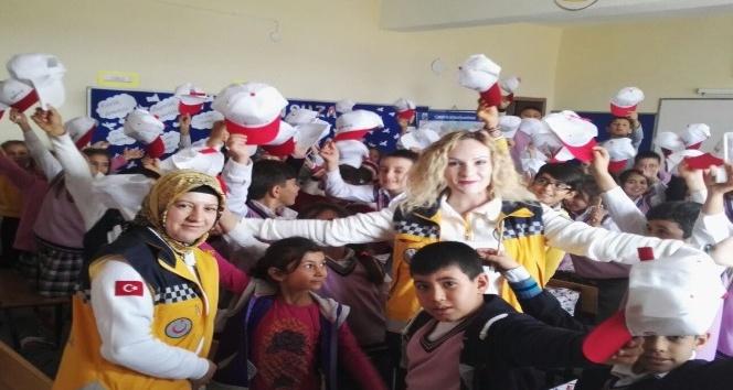 Öğrencilere 112 Acil ve Ambulans eğitimi verildi
