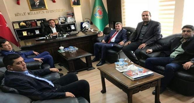 İl Başkanı Altınsoy ziraat odasının çalışmalarıyla ilgili bilgi aldı