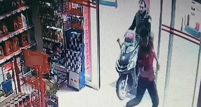 Trabzonda motosiklet markete böyle girdi