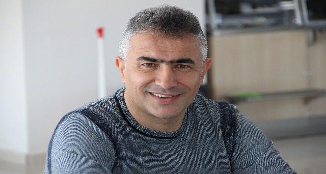 """B.B.Erzurumspor Teknik Direktörü Altıparmak: """"Basınımız ve taraftarımızdan destek bekliyorum"""""""