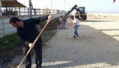 Samandağ Belediyesi yol çalışmalarına devam ediyor
