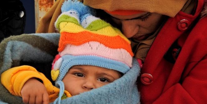 Ege'de can pazarı: 60 göçmen son anda kurtarıldı