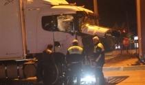 İşçileri taşıyan servis ile tır çarpıştı: 7 yaralı