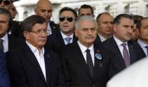 Ahmet Davutoğlu, Naim Süleymanoğlunun cenaze törenine katıldı