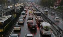 Beklenen yağış İstanbula geldi