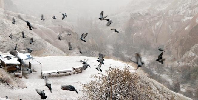 Kapadokya'ya mevsimin ilk karı yağdı!
