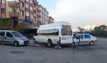 Ankarada öğrenci servisi kaza yaptı: 4 yaralı