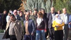 HDPli vekil terörist cenazesine katıldı