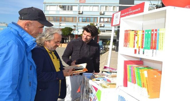 Salihlide Sokak Kütüphanesi açıldı
